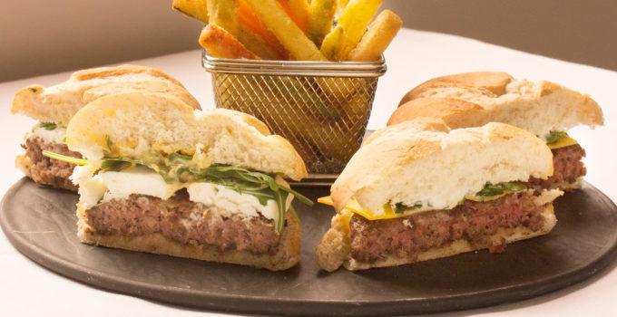 carne picada en la hamburguesa Angus de Manumar
